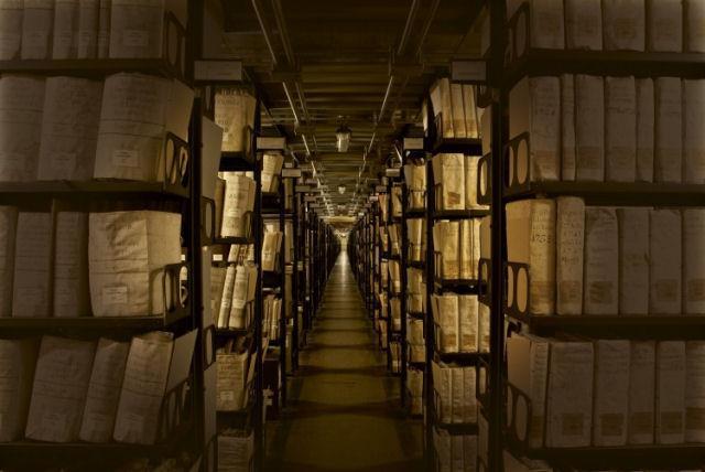 arquivos-secretos-do-vaticano--a-caixa-de-pandora-da-historia-